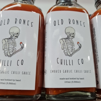 OLD BONES      SMOKED GARLIC CHILLI SAUCE (100ml)